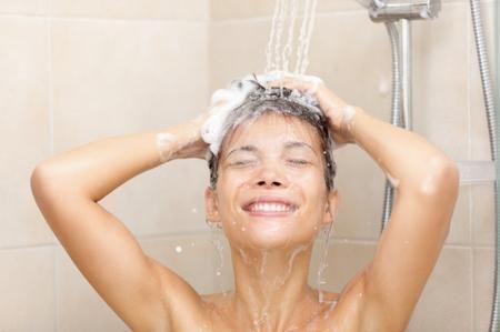 Acqua-troppo-calda-sotto-la-doccia.jpeg