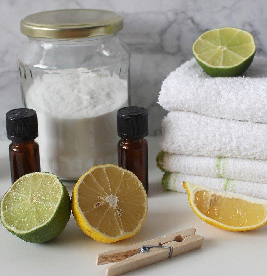 7 smacchiatori naturali per il bucato