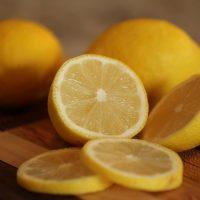 smacchiatori naturali - succo di limone